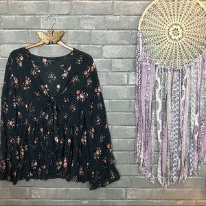 american eagle // boho gray floral print blouse l